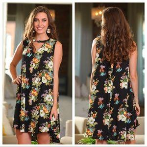 ✨LAST ONE✨Black Sleeveless Floral Dress